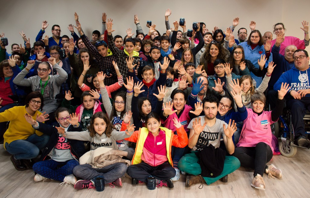 43 escolares do CEIP Canosa-Rus de Coristanco protagonizan unha nova edición de Visítanos!
