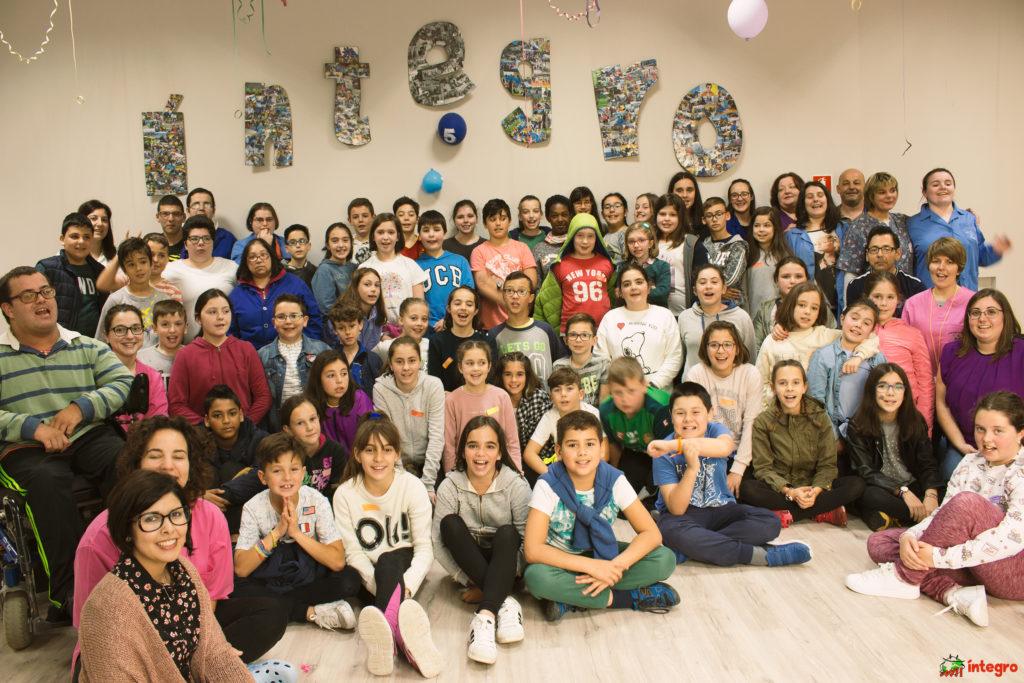 Estudantes de 5º de primaria do CEIP Bergantiños achéganse á diversidade con Visítanos!