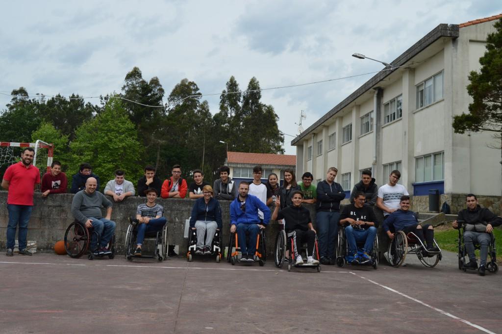 La campaña de lesiones medulares de Íntegro aterriza en el IES Monte Neme de Carballo