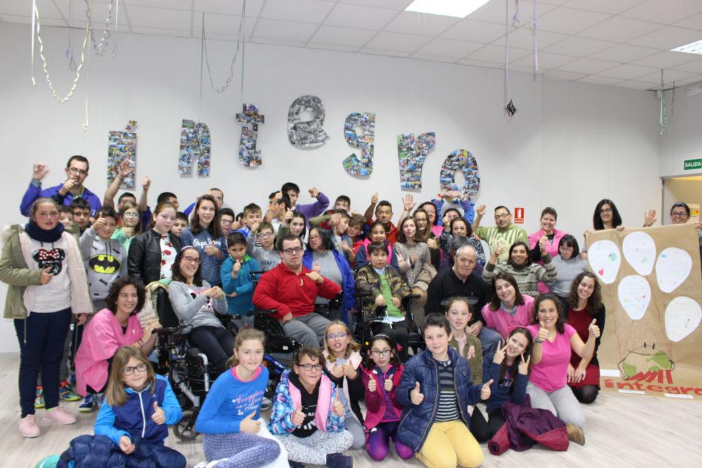 Visítanos! abre la puerta de la diversidad a estudiantes de primaria del CPI de Zas