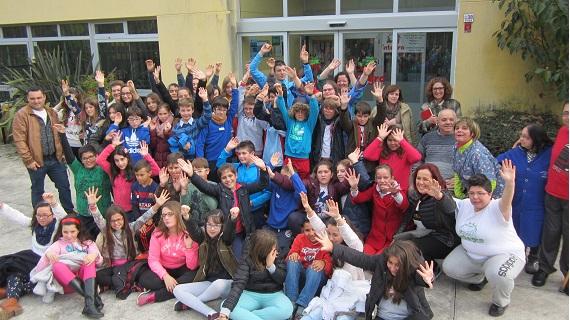 Escolares de Camariñas e Ponte do Porto visitan Íntegro da man de CapacítaT