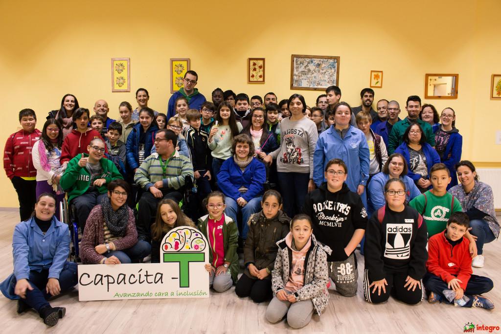 Estudiantes de Camariñas y de Ponte do Porto protagonizan una nueva edición de Visítanos!