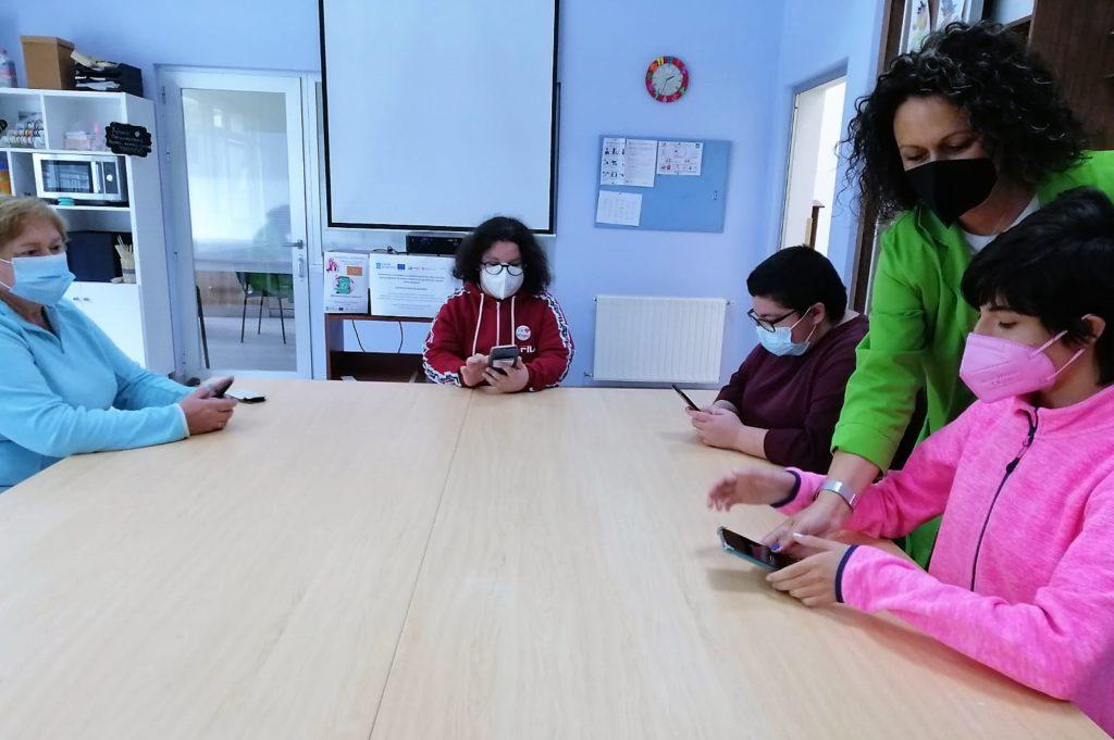 O PIMD iniciará o luns 12 un curso para mulleres do rural sobre o manexo do teléfono intelixente